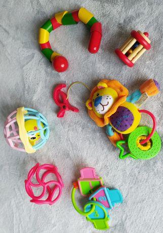 Zestaw zabawek grzechotki gryzaki drewniane