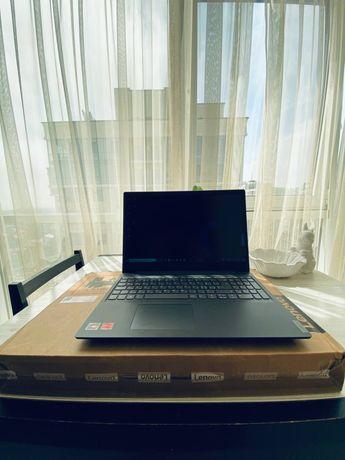 Тонкий легкий ультрабук Lenovo на Ryzen 3 3250U с IPS 15.6 матрицей!