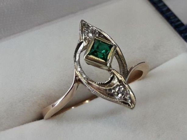 Кольцо золотое с изумрудом и бриллиантами Проба 585 СССр