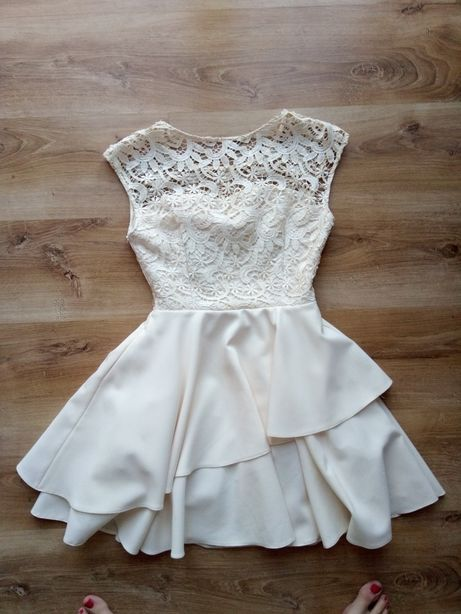 Sukienka kremowa m koronka