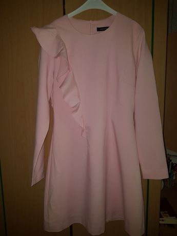 Pudrowa sukienka Reserved 36