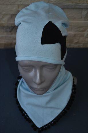 Komplet czapka+apaszka pompon - błękitny w srebrne kropki