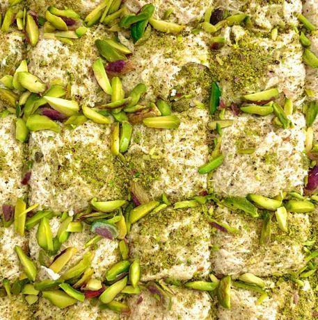 Халва тахинная с фисташкой весовая, восточные сладости, лукум, пахлава