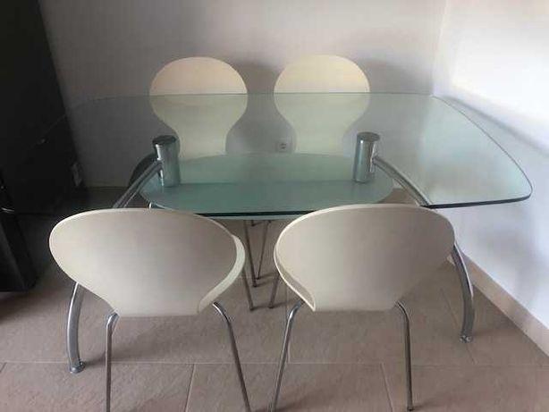 Mesa vidro temperado com 4 cadeiras