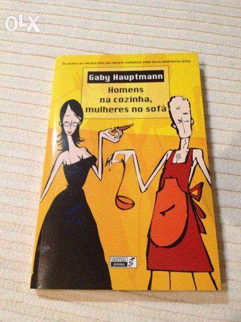 """Livro """"Homens na cozinha, mulheres no sofá"""""""