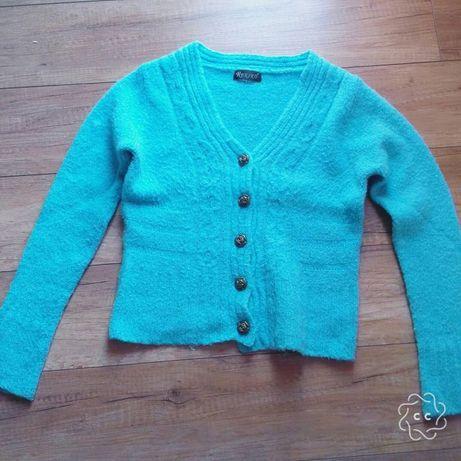 Niebieski sweterek 80% wełny