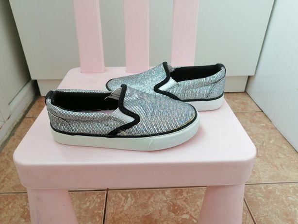 Стильные красивые туфли модные нарядные мокасины кеды в пайетках 28р