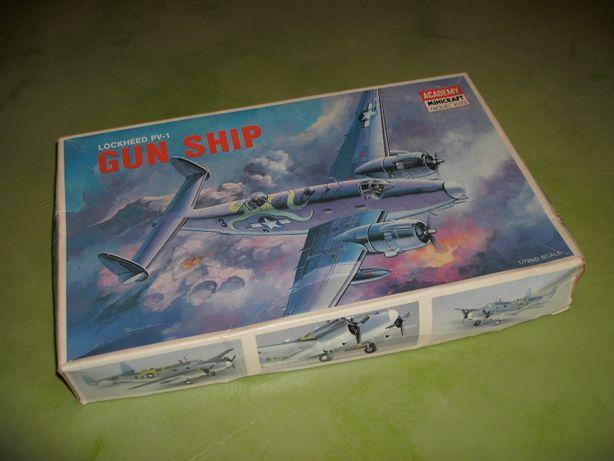 Kit Modelismo avião Lockheed PV-1 Ventura Gun Ship da Academy 1/72
