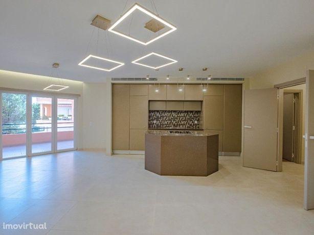 Excelente Apartamento T2 todo Remodelado no Condomínio do...