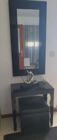 Espelho e mesa de entrada