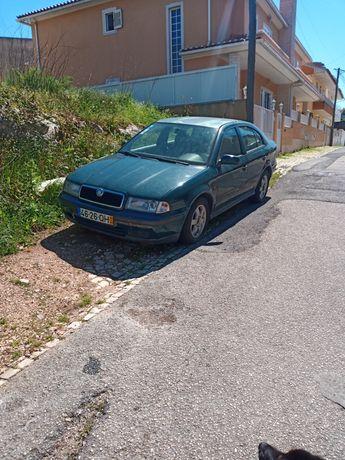 Skoda Octavia 1.6 P/peças