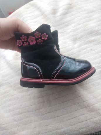 Чобітки осінні, детская обувь.