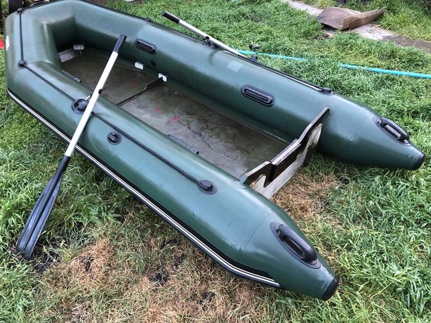 Лодка надувная с жестким дном