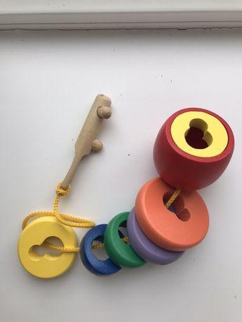 Деревянная игрушка ключик