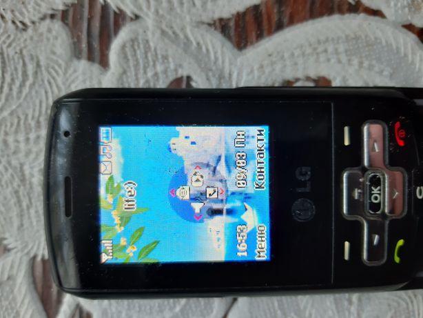 Телефон LG KP265