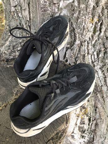 Кросівки чоловічі 40 розмір