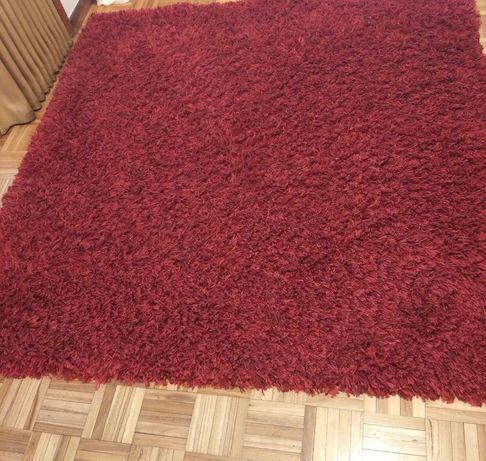Carpete bordeaux como nova.