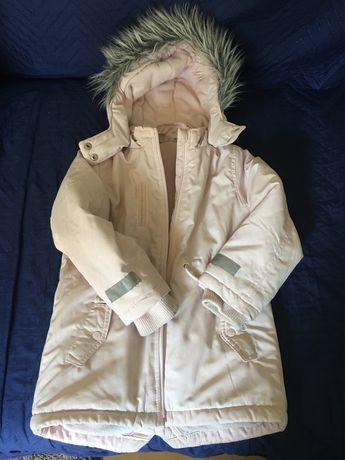 Куртка , парка 4-5 лет .