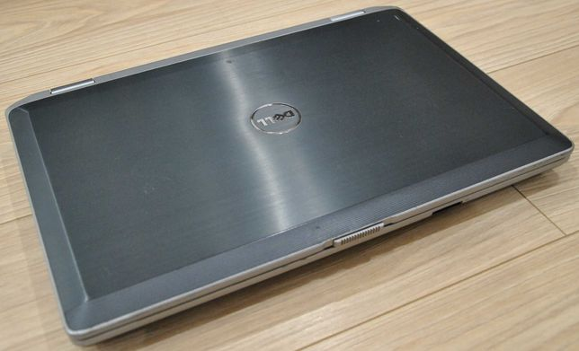 DELL 15.6'' i5/2.5GHz/240SSD/8GB/bat3h Spr/Gw
