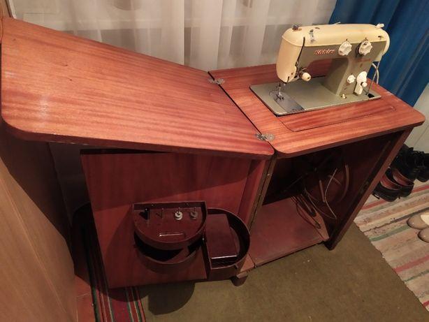 Продам німецьку швейну машинку