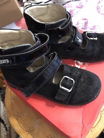 Продам ортопедичні черевички Woopy