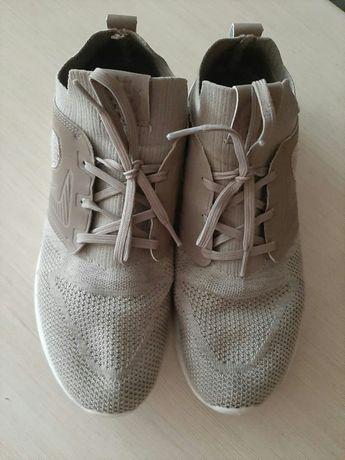 Лёгкие мужские кроссовки Demix