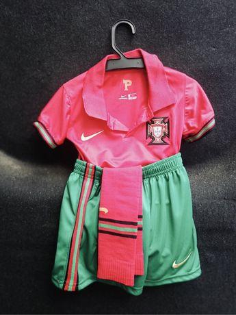 Equipamento principal para criança. Portugal. Euro 2020