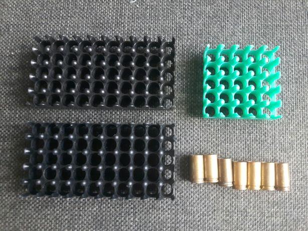 Pojemniki na amunicje 9mm i 7 łusek