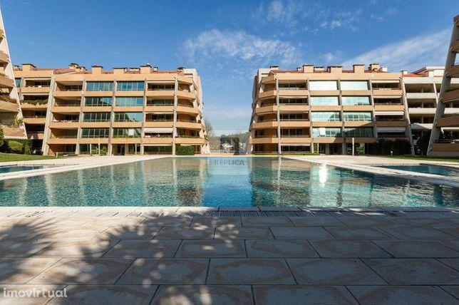 Apartamento T3 Duplex novo em condomínio fechado - São João da Madeira