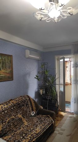 Отличная 2-х комнатная в центре Хортицкого.