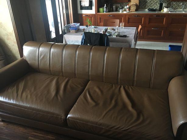 Італійський шкіряний диван, розкладне спальне місце, б/в, хороший стан