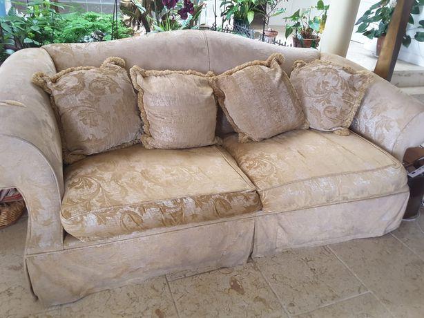 Sofá em tecido de 2 lugares