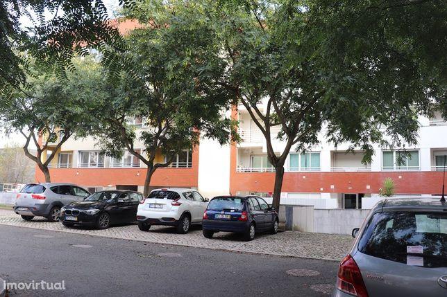 Arneiro – São Domingos de Rana _ Cascais. Prédio Novo. Apartamento T2