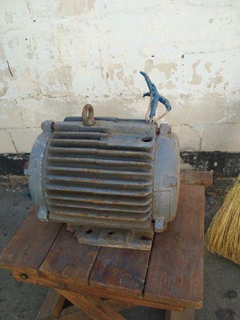 Электродвигатель 5кв 3000 оборотов, 380В