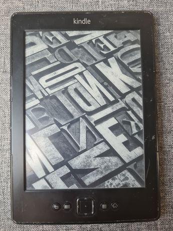 Kindle czytnik sprawny .