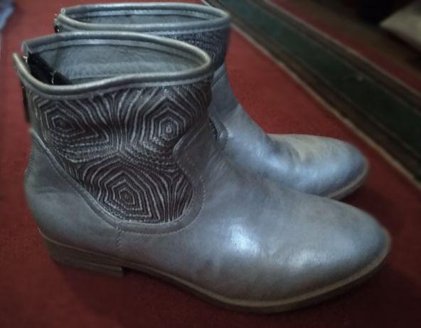 Ботинки серебро 37 38 р. весна осень демисезонные на змейке сзади