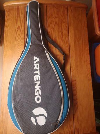 pokrowiec na rakietę tenisową
