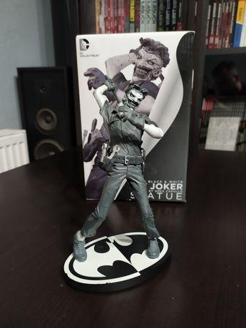 Batman Black & White The Joker Statue  Greg Capullo