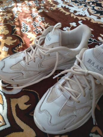 Кросівки шкіряні для дівчинки