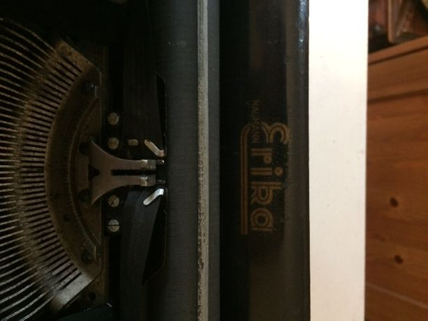 Stara maszyna do pisania ERIKA