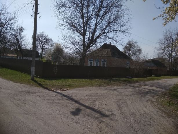 Продам дом в селе с условиями