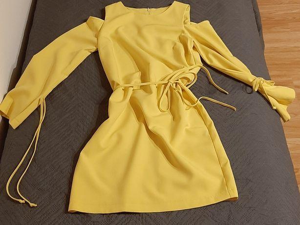 *Żółta sukienka*