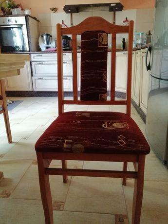 8 krzeseł plus stół gratis