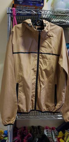 Продам курточку размер М