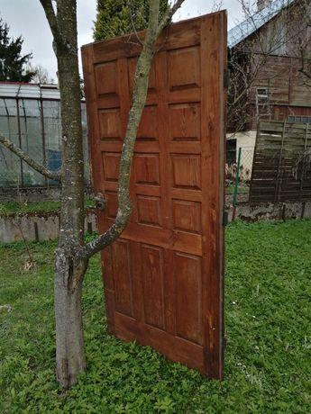 Drzwi drewniane robione na zamówienie