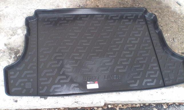Модельный коврик в багажник Suzuki Grand Vitara