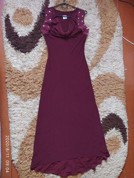 Шикарное вечернее платье в пол р. М
