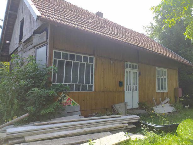 Dom drewniany - stare 70 letnie belki drewniane . Rozbiórka