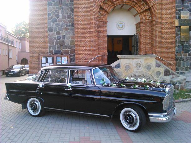 Mercedes zabytkowy samochód auto na śluby, wesela