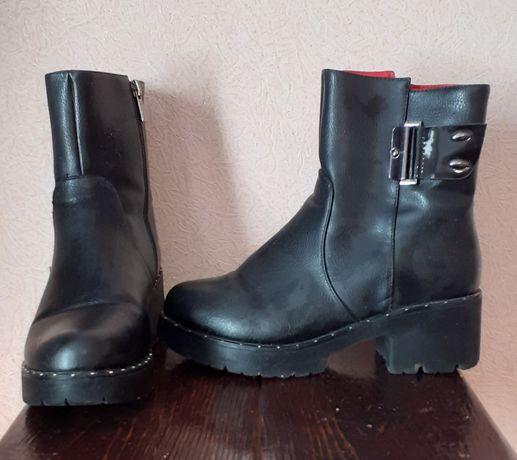 Зимние кожаные женские ботинки 38р